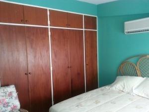 Casa En Alquiler El Peñon 20-24810
