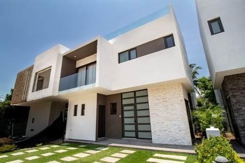Casa De Lujo Con Espacios Abierto , Alberca Y Muelle, En El Corazon De Nuevo Vallarta