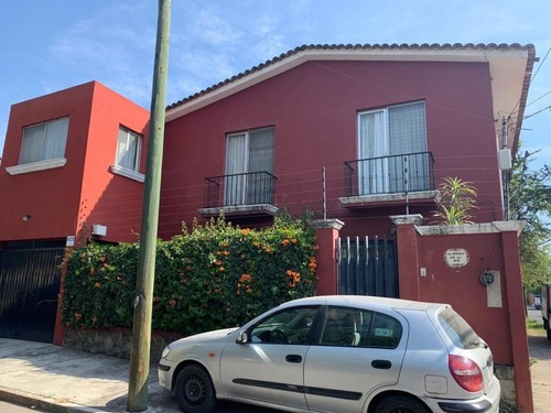Casa Sola En Lomas De Cortes / Cuernavaca - Roq-606-cs