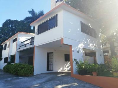 Amplia Casa En Alquiler Con 350mts Arroyo Hondo Viejo