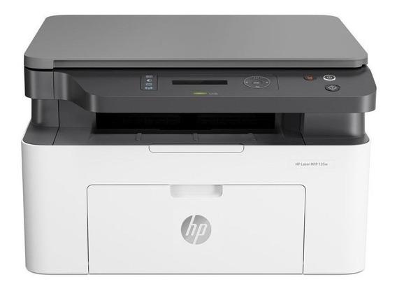 Impresora multifunción HP LaserJet Pro M135W con wifi 220V - 240V blanca y negra