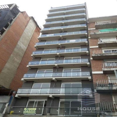 Bº Nueva Cordoba -frente Con Balcon -cocina Separada -