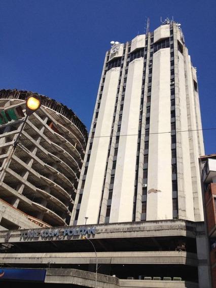 Venta De Gran Oficina En Torre Cosmopolitan 04243725877
