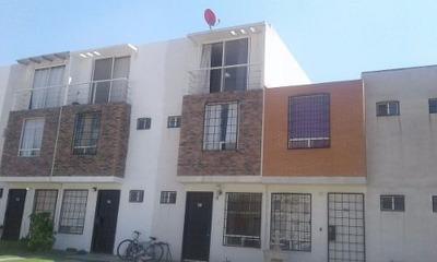 Casa En Renta En Villas De Loreto Ii, Tultepec.