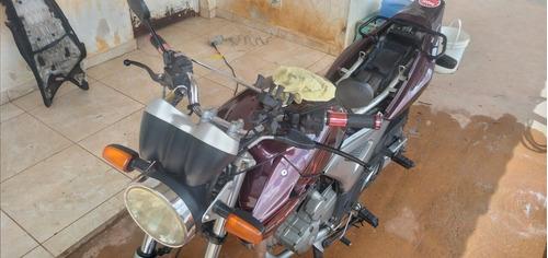 Imagem 1 de 6 de Honda Twister