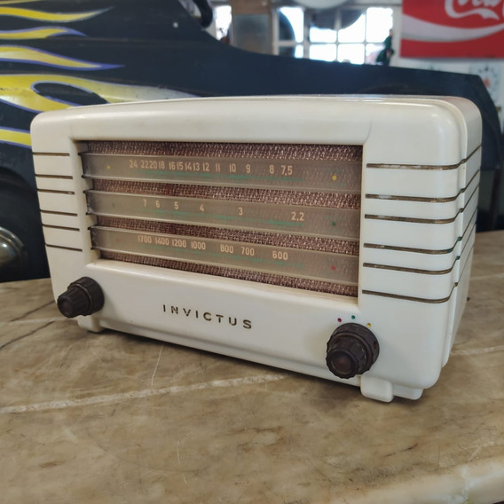 Rádio Invictus Valvulado Antigo Baquelite Branco Am 3085