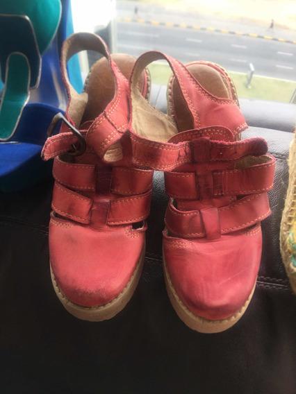 Sandalias De Cuero Color Coral De Marca