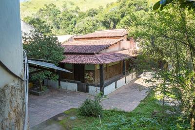 Ótima Casa Localizado No Centro De Mendes - Rj.