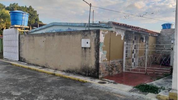 Casa En Venta El Cuji Rahco