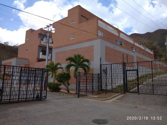 Town House En Mañongo A Estrenar Miriam Perez Git