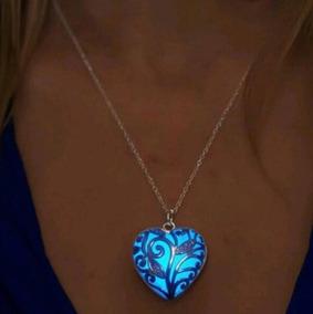 Colar Coração Luminoso Brilha No Escuro Azul Promoção