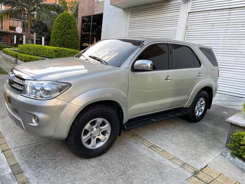 Toyota Fortuner 2.7 Asegurable