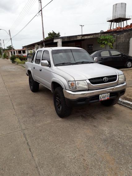 Toyota Hilux 4x4 Año 2005