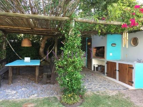Muy Linda Casa En Alquiler En  La Barra, 3 Dormitorios .- Ref: 324