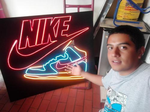 Imagen 1 de 4 de Avisos En Neon Flex
