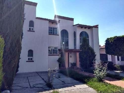 Casa En Remate Bancario En Pueblo Nuevo, Corregidora