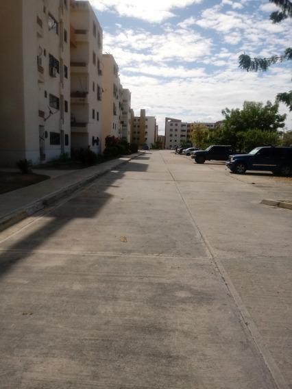 Apartamento En Pomarrosa Paraoaral (8000) Negociable