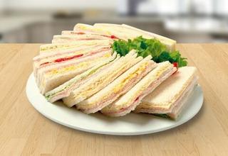 Sandwiches Triples De Miga De Varios Sabores A Eleccion