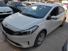 Kia Forte Sedan 4 Pts. L, Tm6, A/ac., Ba, R-16