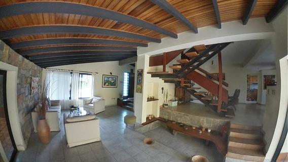 Casa En Venta Villas Laguna Club, Valencia Cod 20-4482 Ddr