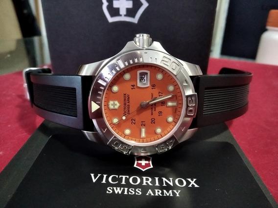 Relógio Victorinox Swiss Army Diver 500 Semi-novo Com Estojo