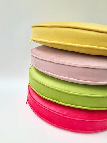 Imagen 1 de 10 de Almohadones Redondos Para Silla Con Cierre Pequeño Taller