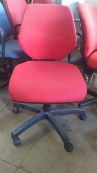 Cadeira Vermelha Mackey
