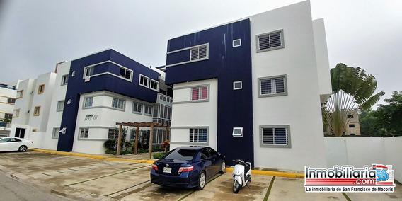 Apartamento En Urbanizacion Hidalgo Salida A Santo Domingo.