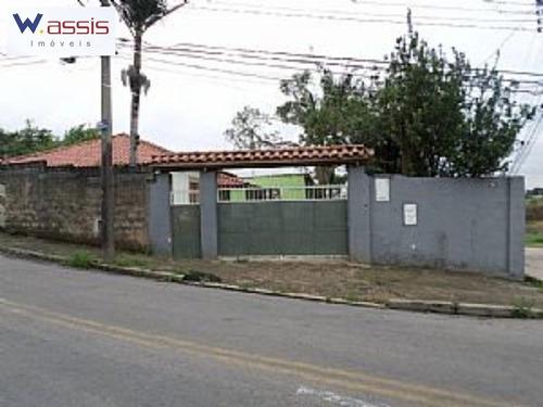 Imagem 1 de 9 de Casa Para Quem Quer Um Otimo Terreno De Esquina, Pois  Trata Se De Uma Casa Bem Antiga E Que Necessita De Grandes Reformas. - Ca00145