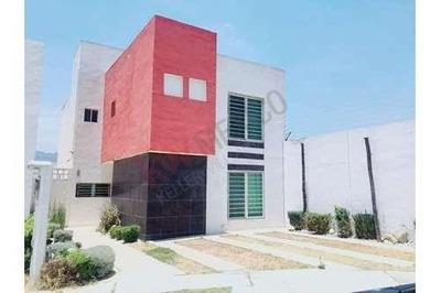 Casa En Renta $10,000 En Fracc. Banús, San Agustín Tlaxiaca, Hidalgo.