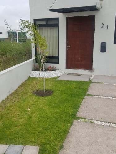 Casa En Una Planta En Cañadas Del Arroyo. T. 198m2., C. 86m2. Con 2 Recámaras.
