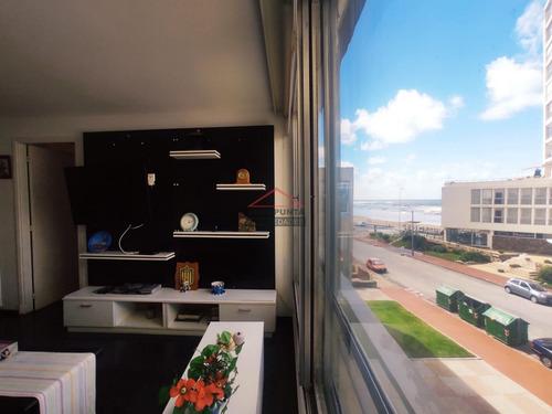 Apartamento En Península * 1 Y Medio Dormitorios Venta- Ref: 2823