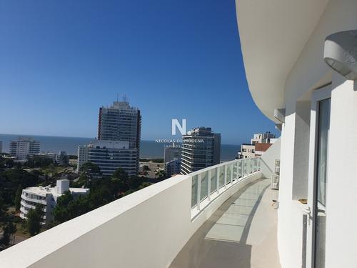 Hermoso Penthouse Con Vista Panoramica!- Ref: 3321