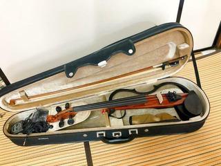 Excellent! Yamaha Sv-130 Electric Silent Violin