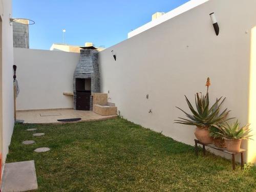 Casa En Venta En Residencial Villas Del Renacimiento