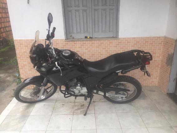 Moto Tenere Preta 250 2011