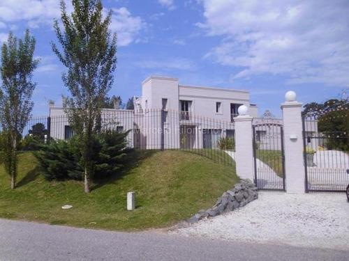 Venta Hermosa Casa En Golf, Punta Del Este