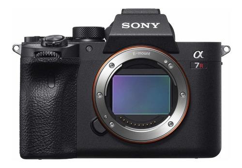 Sony Alpha 7R IV sin espejo color negro