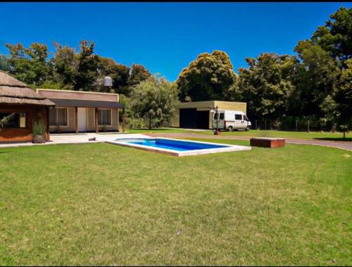 Imagen 1 de 9 de Hermosa  Casa Quinta....!! Chivilcoy