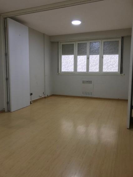 Oficina En Venta. Zona Centro.