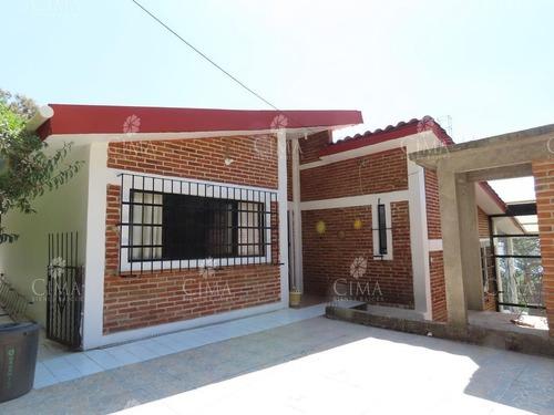 Venta Casa Con Recámara Independiente - V181
