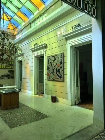 Edificio Antiguo En Excelente Estado En Venta- Teatro