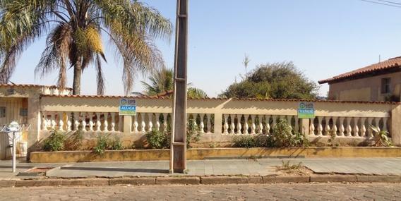 Ampla Casa 2 Dorm. E Quintal Com Pomar - Guaranésia Mg