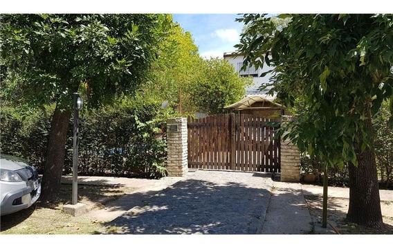 Venta Casa 3 Dormitorios + Escritorio + Jardin