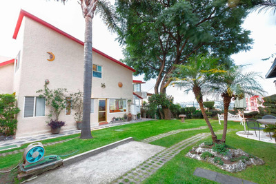Casa En Tlalpan Con Gran Jardín Y Vistas Panorámicas