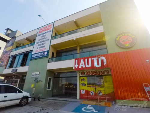 Sala Comercial Térrea Com Aproximadamente 33 M² Localizada Na Itoupava Central  - 3570647l
