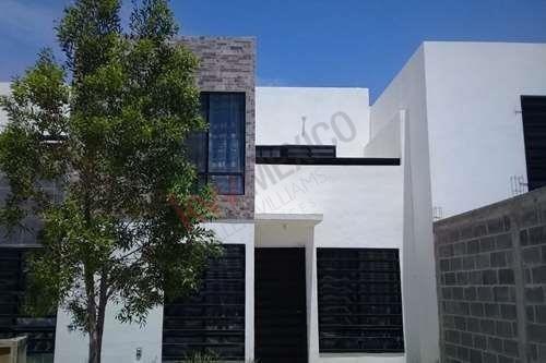 Venta De Casa En Fracc. Barbelo D´rada, Villa De Pozos