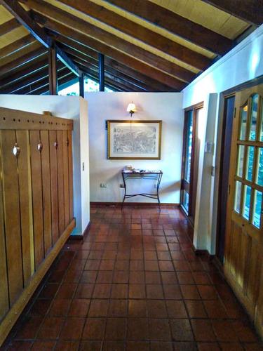 Imagen 1 de 20 de Clásica Casa Chilena En Estoril, Iluminada, Grande