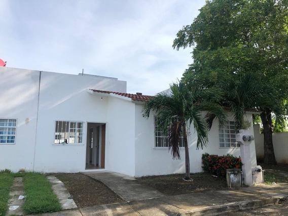 Casa En Venta A 15 Minutos De La Playa De Nuevo Vallarta En El Fraccionamiento Palma Real