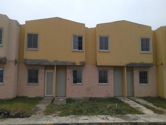 Town House En Conj. Res. Tierra Clara. Guth-15